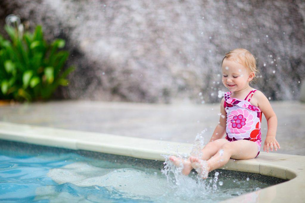 איך בוחרים קורס שחייה לתינוקות
