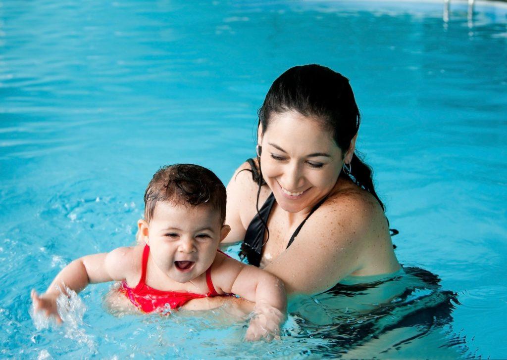 יתרונות חוג שחייה לתינוקות